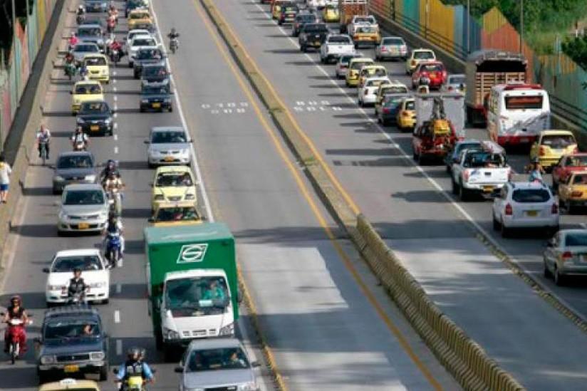 Aumenta movilización de vehículos por las carreteras de Cundinamarca