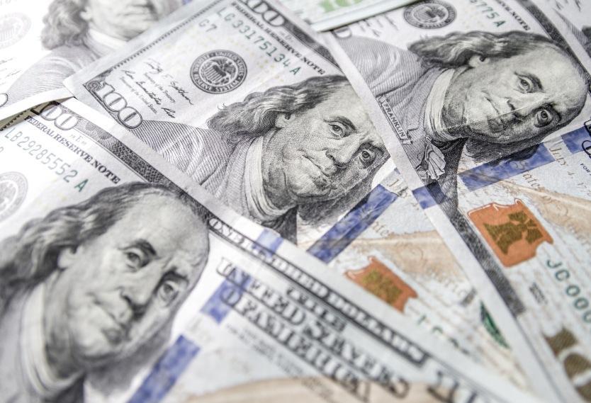 Dólar superó la barrera de los $3.600, el precio más alto del año