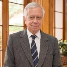 Eduardo Posada, científico de la comisión de sabios del país y la importancia de la ciencia en la educación.