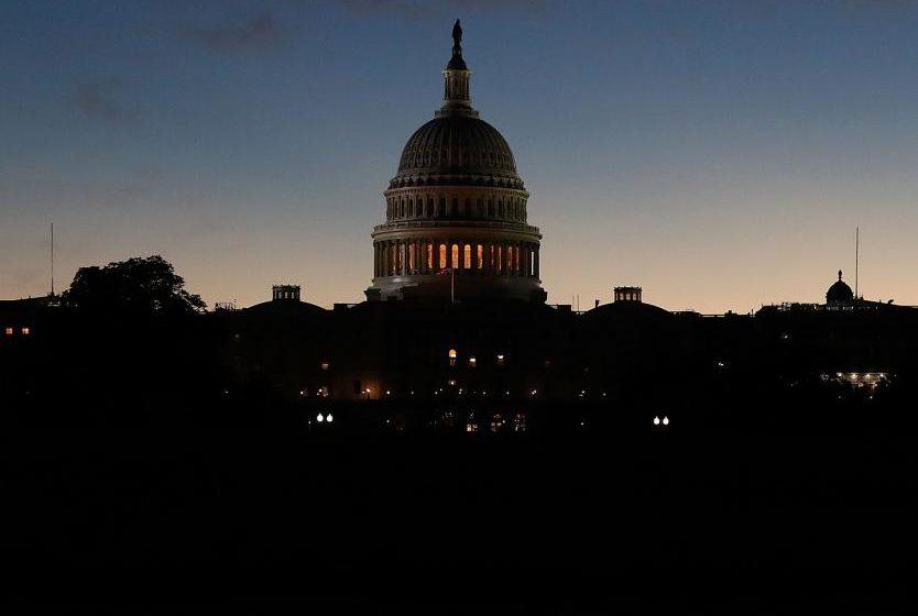 Refuerzan seguridad del capitolio de EE.UU. por una nueva amenaza de asalto
