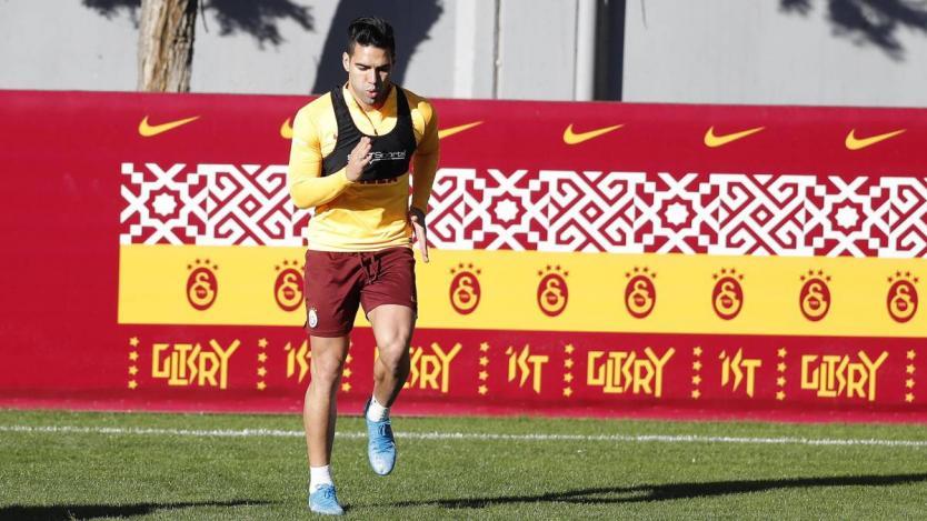 Galatasaray aceptaría 14 millones de euros por Falcao García