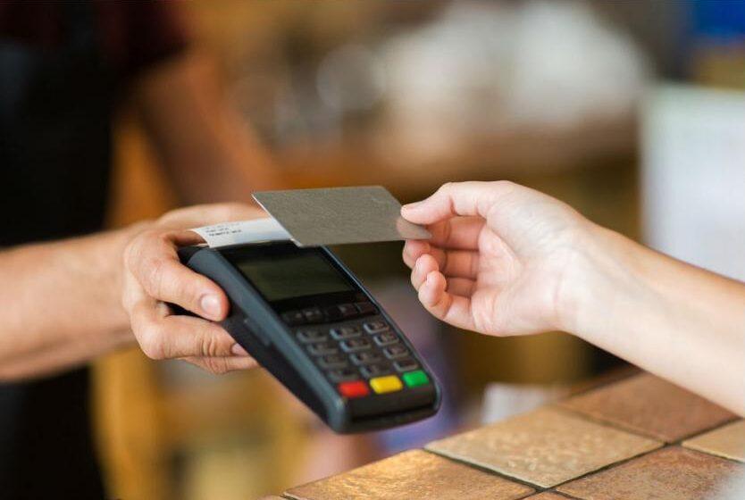Jorge Arenas y los derechos de los clientes usuarios de tarjetas de crédito.