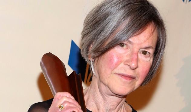 Premio Nobel de Literatura para la poeta estadounidense Louise Gluck